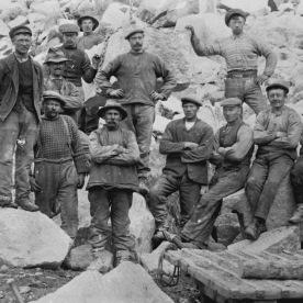 Anleggsarbeidarar i Skjeggedal, ca. 1914. (Norsk Vasskraft- og Industristadmuseum sitt arkiv)