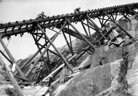 Bygging Mågeli kraftverk, 1955. (Foto: Andreas Vodahl. Norsk Vasskraft- og Industristadmuseum sitt arkiv)