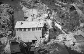 Bygging av Skjeggedal kraftstasjon, som opna 1938. (Norsk Vasskraft- og Industristadmuseum sitt arkiv)